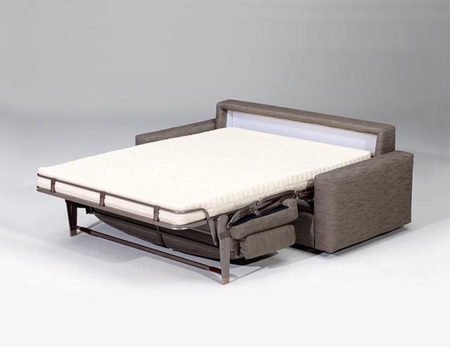 簡単にソファからベッドに変身